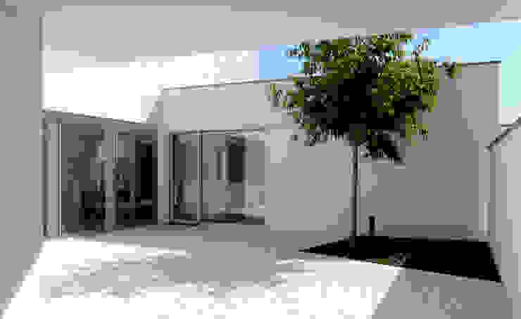 Konservatori Modern Oleh Studio di Architettura e Ingegneria Santi Modern