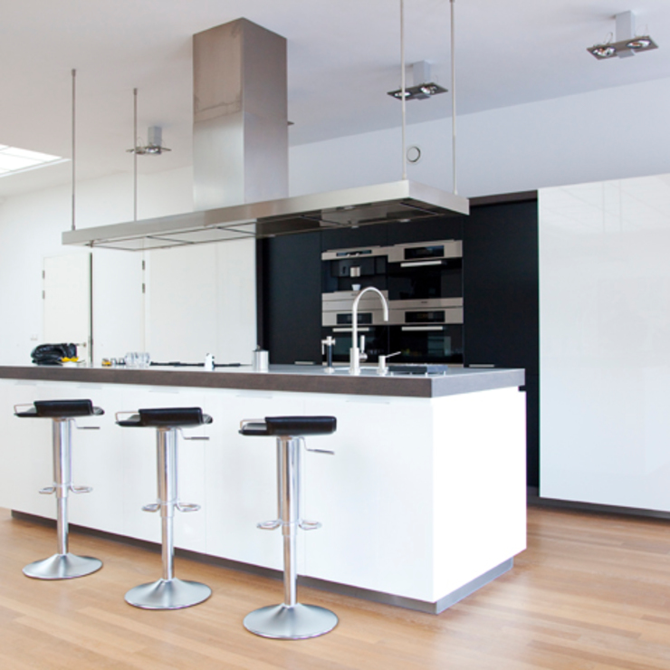 keukeneiland Archstudio Architecten | Villa's en interieur Keukenblokken Wit