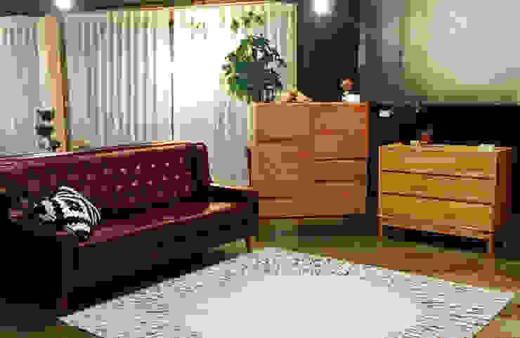 Smukke(스무크) PU sofa: 한나하우스의 인더스트리얼 ,인더스트리얼 합성 갈색