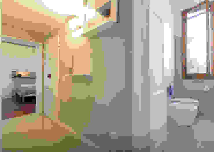 Modern Corridor, Hallway and Staircase by Officine Liquide Modern Copper/Bronze/Brass