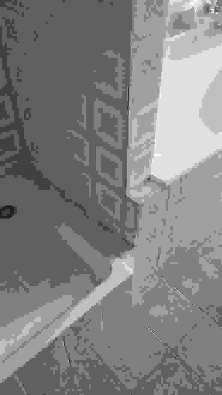 Architetto Alberto Colella Modern Bathroom Ceramic