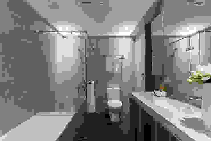 Minimalist style bathroom by E&C創意設計有限公司 Minimalist