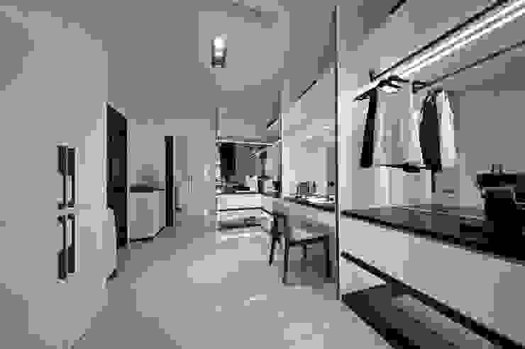 Phòng thay đồ phong cách Bắc Âu bởi 楊允幀空間設計 Bắc Âu