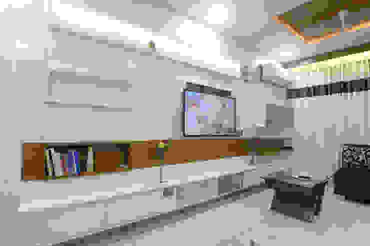Interiors Modern walls & floors by MSA INDIA Modern