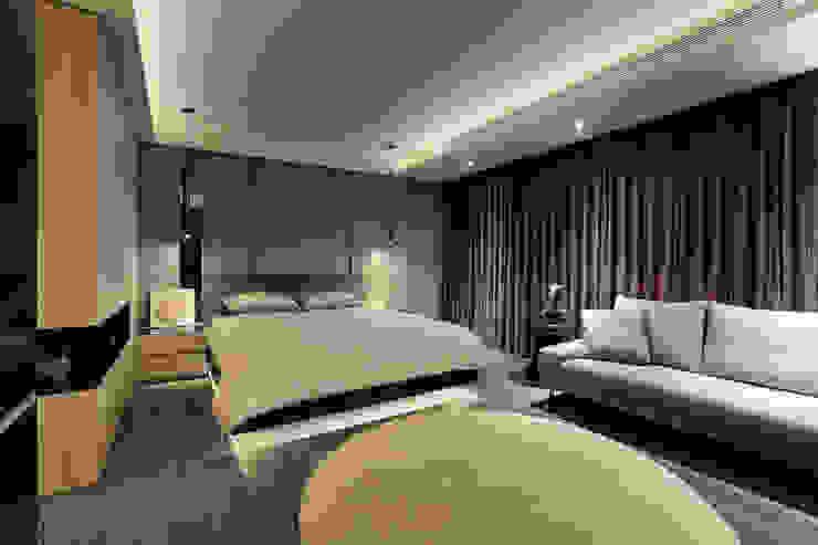 Dormitorios de estilo  de 楊允幀空間設計