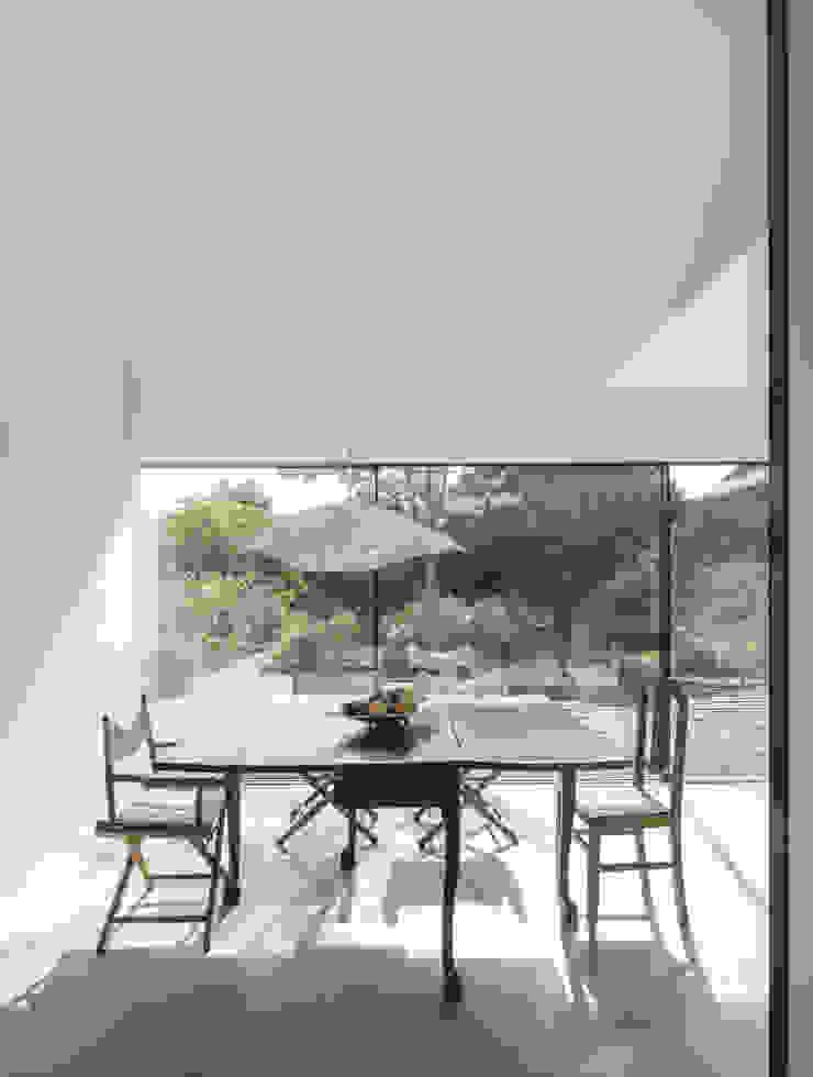 Red House EXTRASTUDIO Mediterranean style dining room