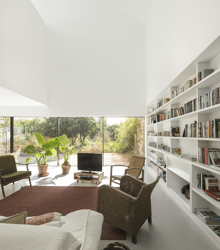 Red House EXTRASTUDIO Living room