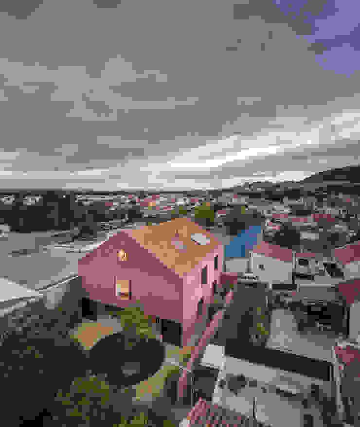 Red House EXTRASTUDIO Mediterranean style house
