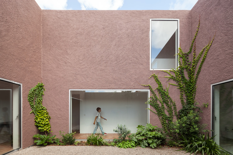 House with Three Courtyards EXTRASTUDIO Mediterranean style house