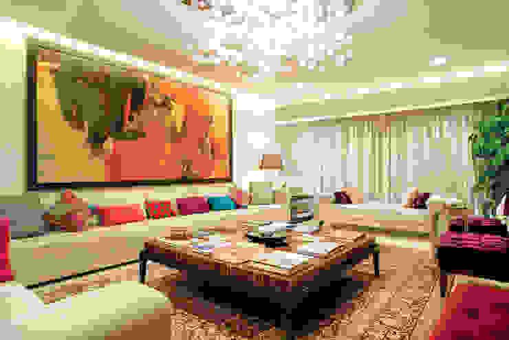 Ruang Keluarga Gaya Asia Oleh Bric Design Group Asia