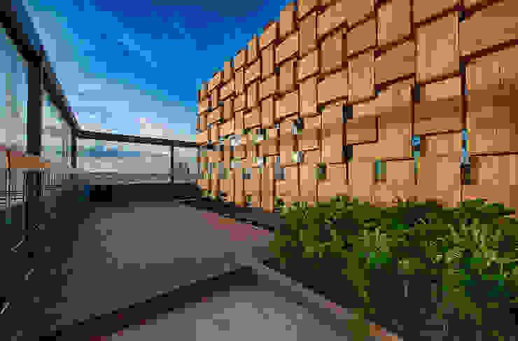 Martínez Arquitectura Minimalistyczny balkon, taras i weranda