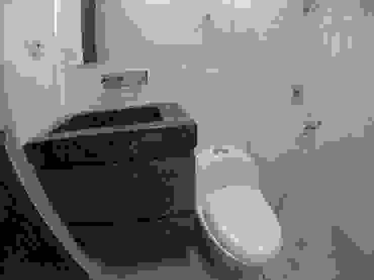 Mueble de baño 2 Baños de estilo moderno de MODE ARQUITECTOS SAS Moderno