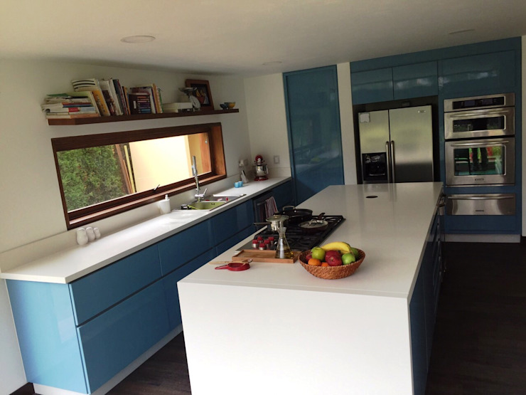 Modern Kitchen by MODE ARQUITECTOS SAS Modern
