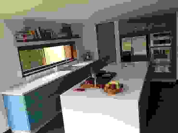 Nhà bếp by MODE ARQUITECTOS SAS