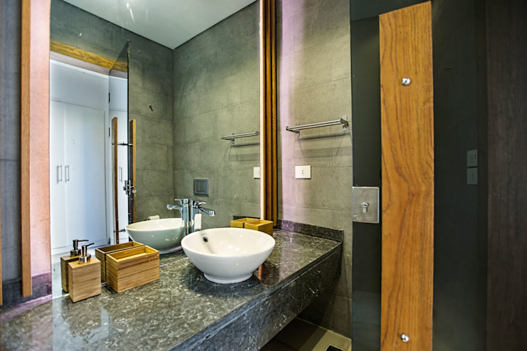 Marassi Villa Eclectic style bathroom by Grid Fine Finishes Eclectic
