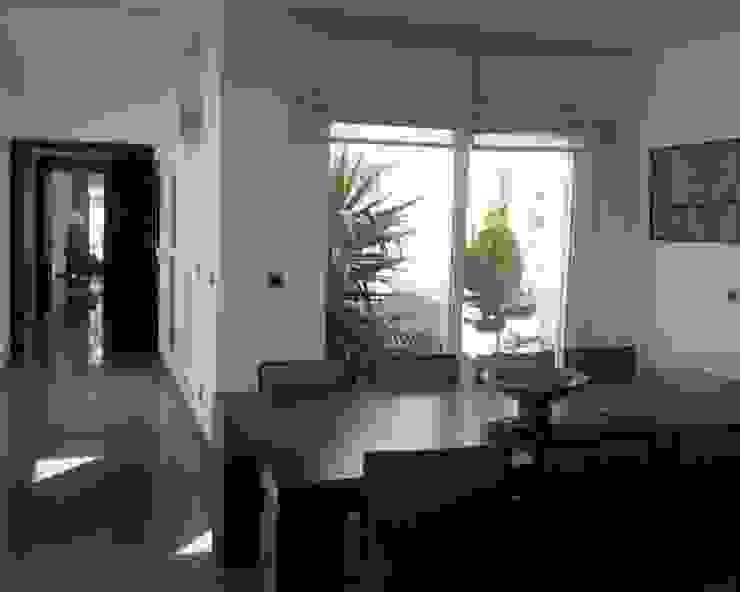 Villa R B.A-Studio Mediterranean corridor, hallway & stairs