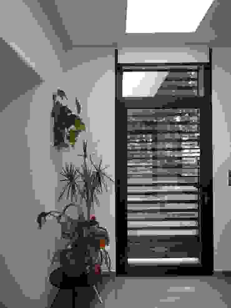 地中海スタイル 玄関&廊下&階段 の B.A-Studio 地中海