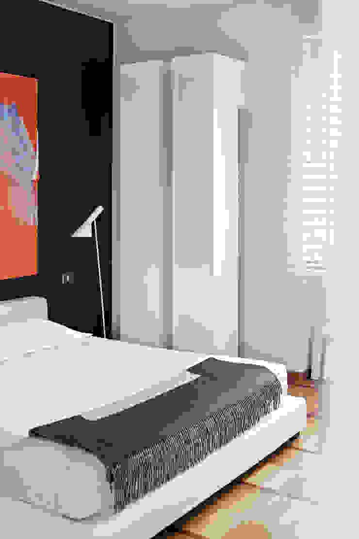 Спальня в стиле модерн от PAOLO FRELLO & PARTNERS Модерн
