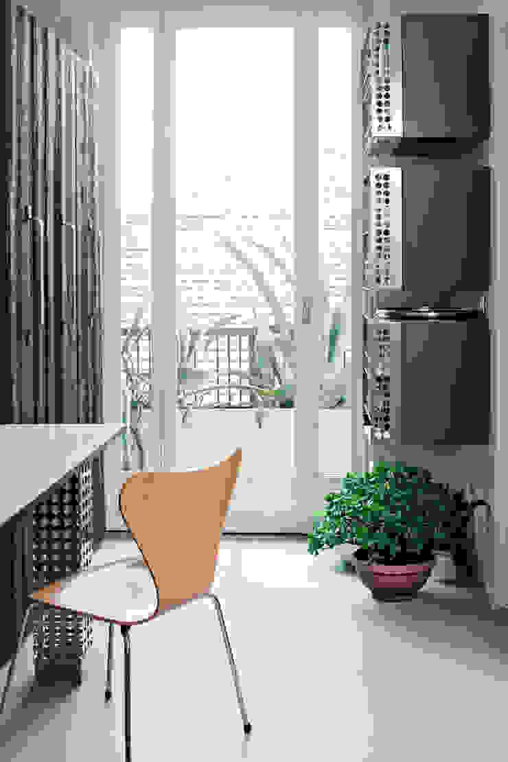 Окна и двери в стиле модерн от PAOLO FRELLO & PARTNERS Модерн