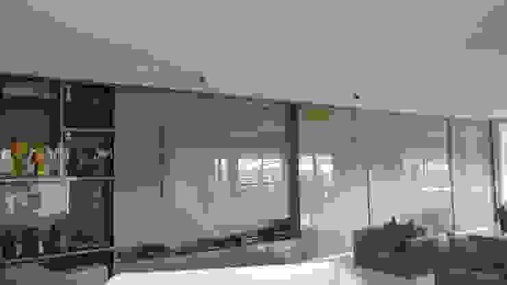 Painel multifuncional! por Arquiteta Carol Algodoal Arquitetura e Interiores Moderno Madeira Efeito de madeira