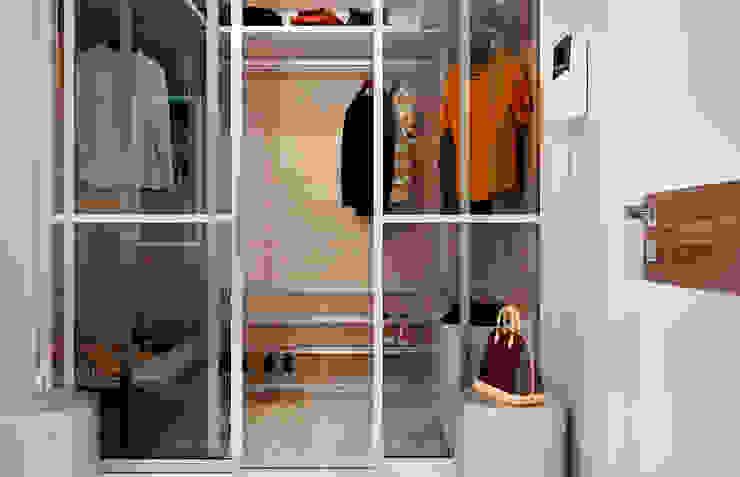 Phòng thay đồ phong cách chiết trung bởi Студия NATALYA SOLNTSEVA Interiors Design Chiết trung