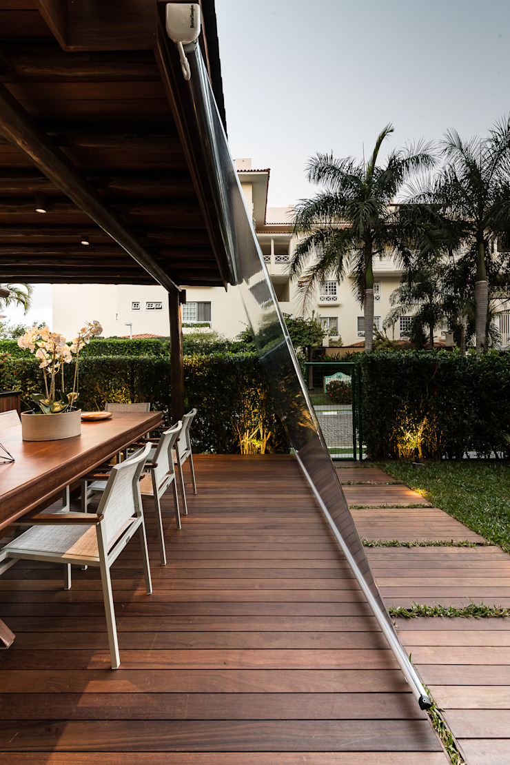 Balcones y terrazas tropicales de branco arquitetura Tropical