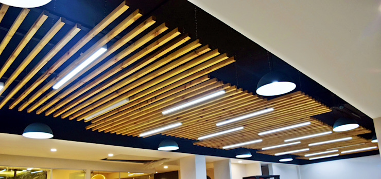 Ceiling- Office at Sector 32, gurugram Modern offices & stores by The Workroom Modern