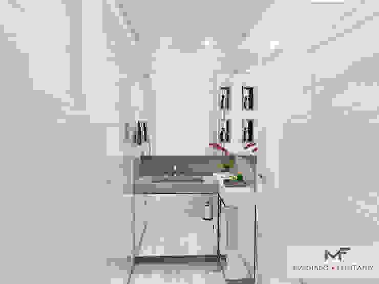 Banheiro Suíte Banheiros modernos por homify Moderno