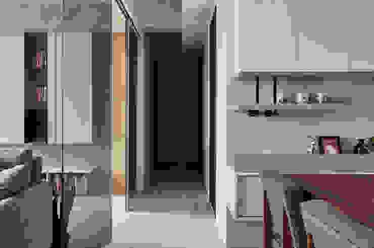 旭日風暖 現代風玄關、走廊與階梯 根據 思維空間設計 現代風