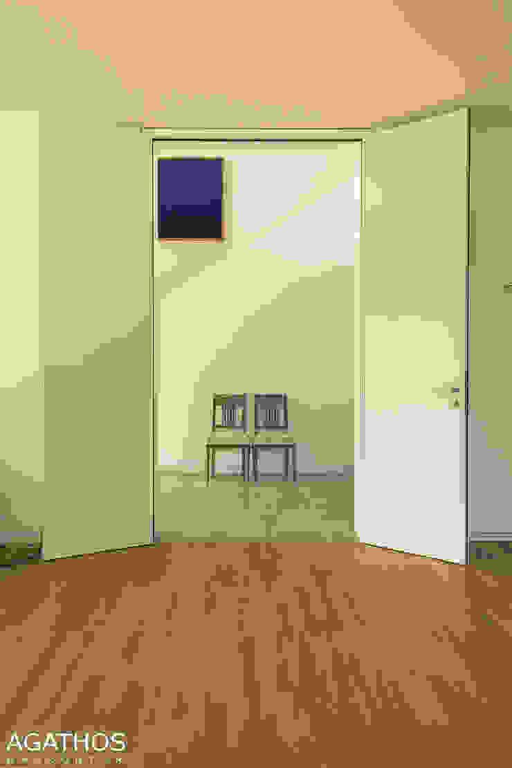 Neubau einer Villa in Ostbelgien Moderner Flur, Diele & Treppenhaus von Architekturbüro Sutmann Modern