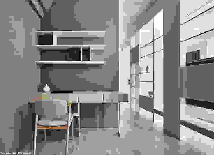Oficinas y bibliotecas de estilo moderno de 思維空間設計 Moderno