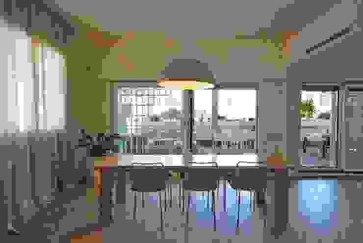 Salle à manger moderne par silvestri architettura Moderne