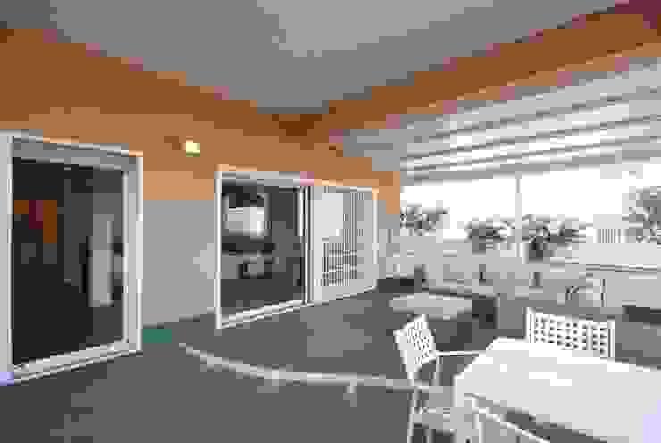 Balcon, Veranda & Terrasse modernes par silvestri architettura Moderne
