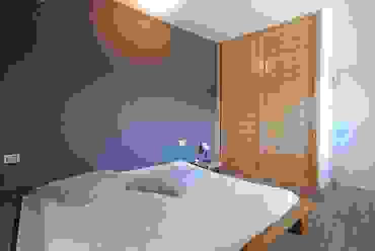 Modern style bedroom by silvestri architettura Modern