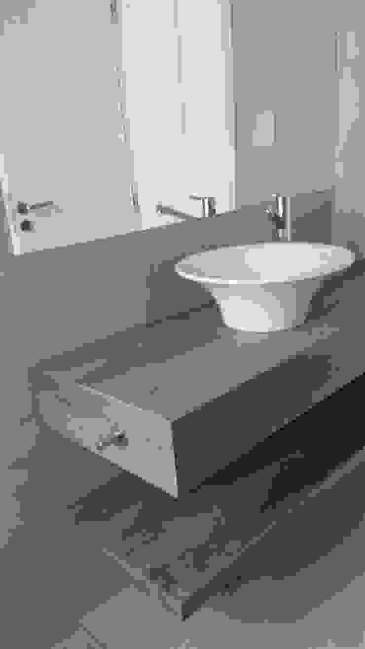 Modern style bathrooms by Estudio Victoria Suriguez Modern