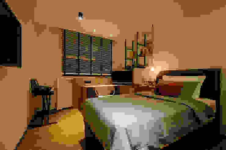 Design & Build Project: Resale HDB Apt @ Serangoon Ave 3 Scandinavian style bedroom by erstudio Pte Ltd Scandinavian