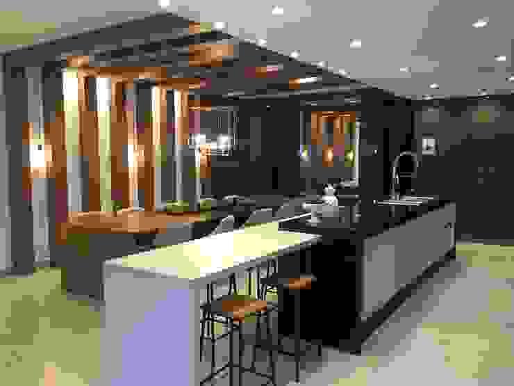 Jacqueline Fumagalli Arquitetura & Design Modern kitchen