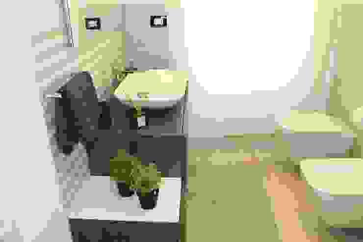 Phòng tắm phong cách hiện đại bởi SILVIA ZACCARO ARCHITETTO Hiện đại