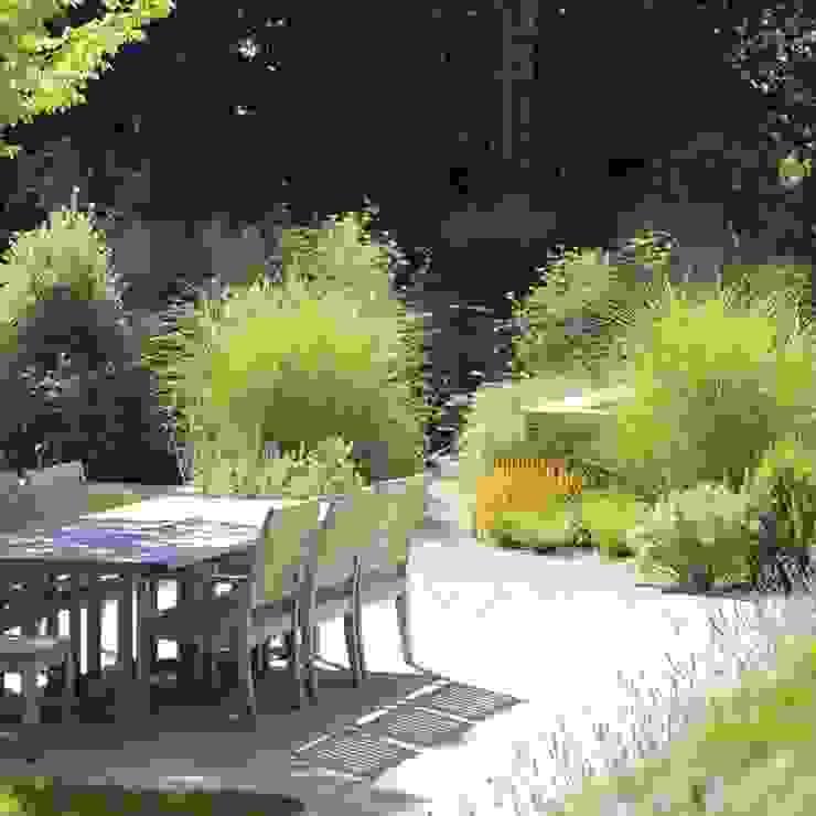 Landscapes من Andy Sturgeon Garden Design كلاسيكي