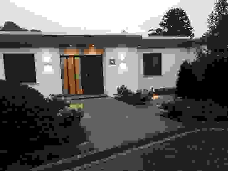 Rumah Modern Oleh Queck - Elektroanlagen Modern