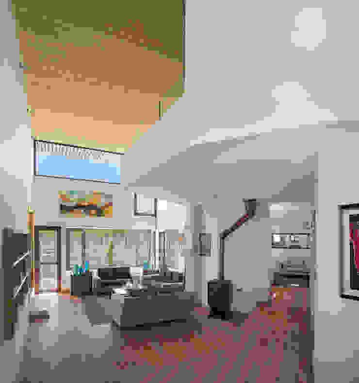 Casa Passalaqua Pasillos, vestíbulos y escaleras modernos de GITC Moderno