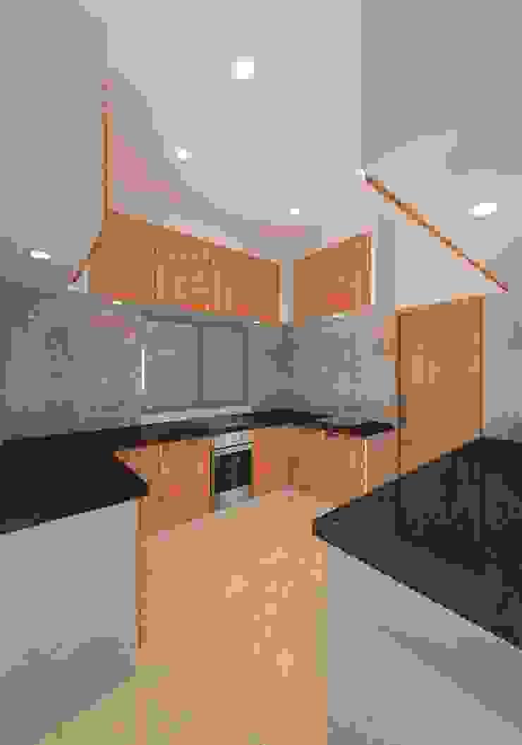 Prashant Residence by Gurooji Designs Asian