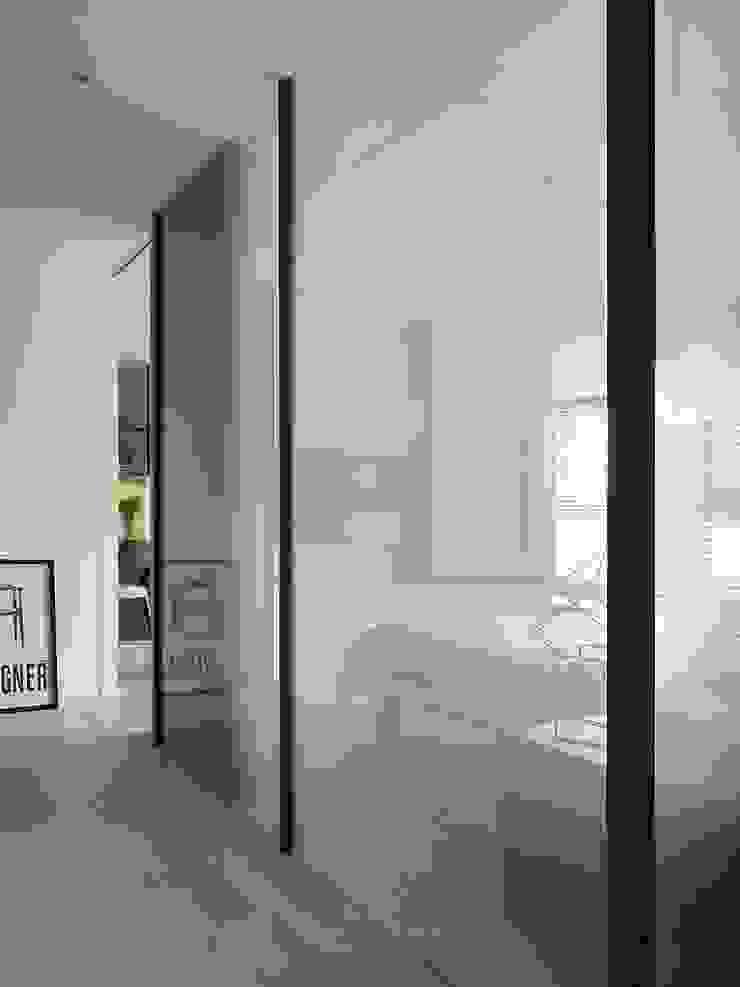 景川匯L宅 現代風玄關、走廊與階梯 根據 Ho.space design 和薪室內裝修設計有限公司 現代風