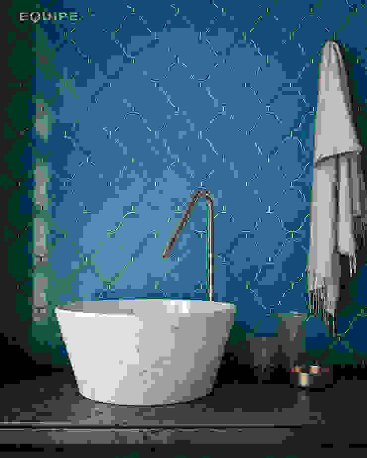 Scale Alhambra Baños de estilo mediterráneo de Equipe Ceramicas Mediterráneo Cerámico