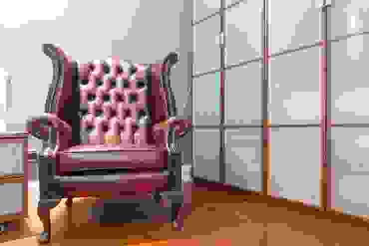 Chambre moderne par Laura Galli Architetto Moderne