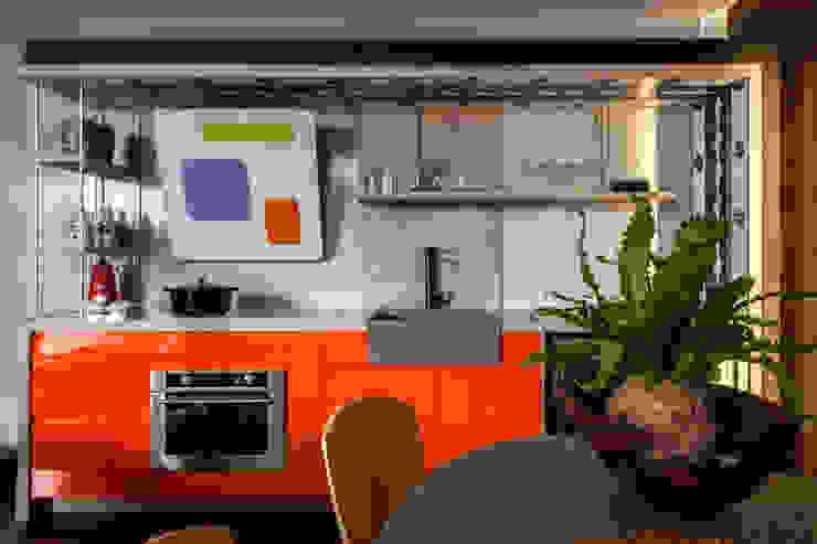 Moderne Häuser von Cláudia Zuppani Arquitetura Modern