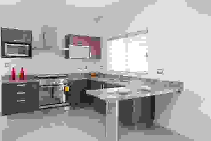 minimalist  by KOVE Cocinas y Muebles, Minimalist Chipboard