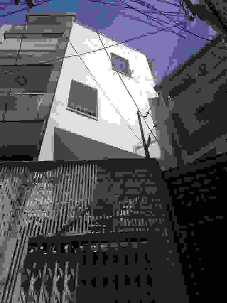 DUY HOUSE bởi NBD ARCHITECTS Hiện đại