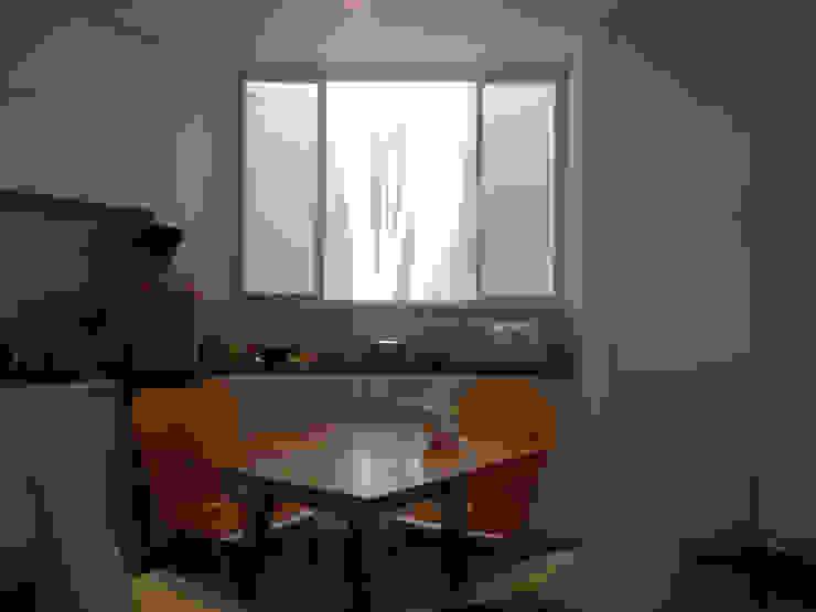 DUY HOUSE Cửa sổ & cửa ra vào phong cách hiện đại bởi NBD ARCHITECTS Hiện đại