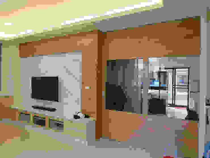 鄉景-李公館 现代客厅設計點子、靈感 & 圖片 根據 伊梵空間規劃設計 現代風